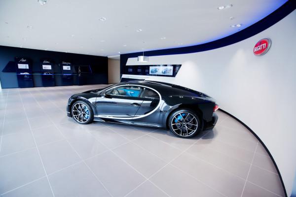 Bugatti, Belgien, Brüssel: Mitten in der EU-Hauptstadt ist jetzt der 1.500 PS starke Supersportwagen Chiron zu bestaunen.