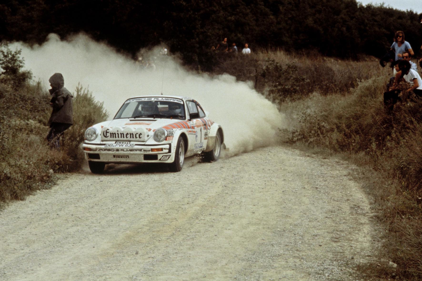 Ein Bild mit Seltenheitswert: Der Porsche 911 SC bestritt nur einen einzigen Wettbewerbseinsatz - und zwar 1981 bei der Rallye San Remo (Foto).