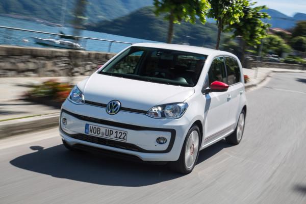 Optisch mit nur leichten Retuschen, aber mit erweiterter Ausstattung und neuer Top-Motorisierung: der neue VW Up.