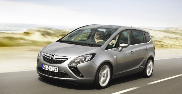 Platz für bis zu sieben Personen und unter 10.000 Euro zu haben: der Opel Zafira.
