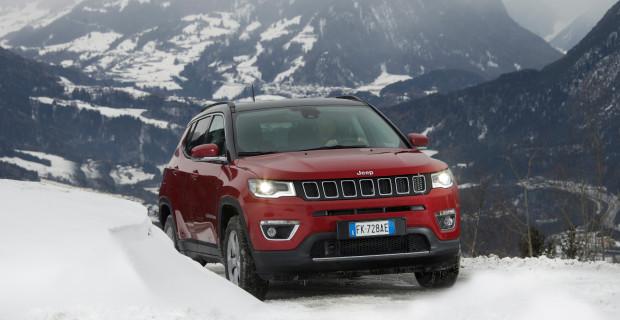 Klares Signal: Der klassische Kühlergrill mit den sieben Öffnungen wurde neu interpretiert und macht den Compass zu einem echten Jeep.
