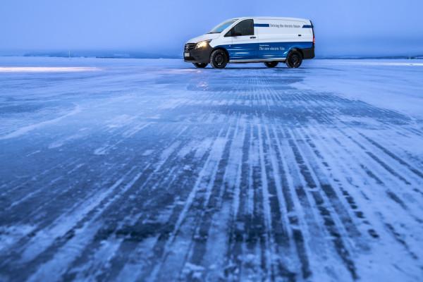 Mercedes-Benz e-Vito im Wintertest in Nordschweden.
