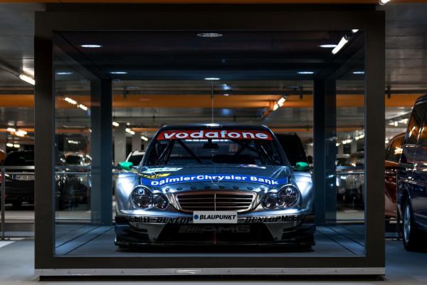 """AMG-Mercedes C-Klasse DTM-Tourenwagen von Gary Paffett bei der Sonderpräsentation """"30 Jahre DTM"""" im Mercedes-Benz Museum."""