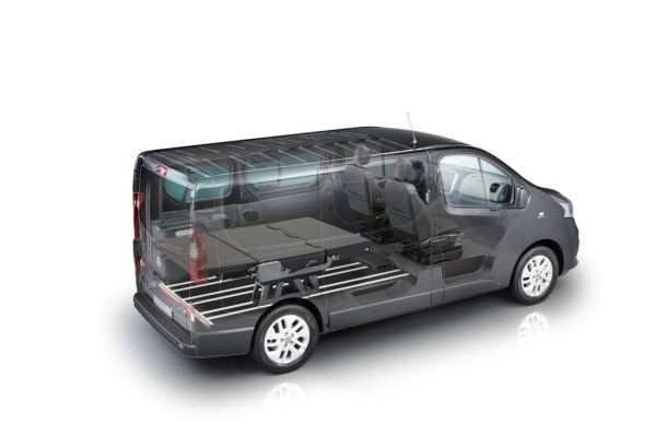 Nissan NV300 Flexvan mit Sitz-Liegebank.