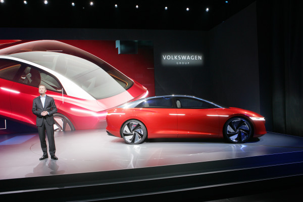 Autonom und elektrisch: VW zeigt die Studie I.D. Vizzion1 auf dem Genfer Automobilsalon.