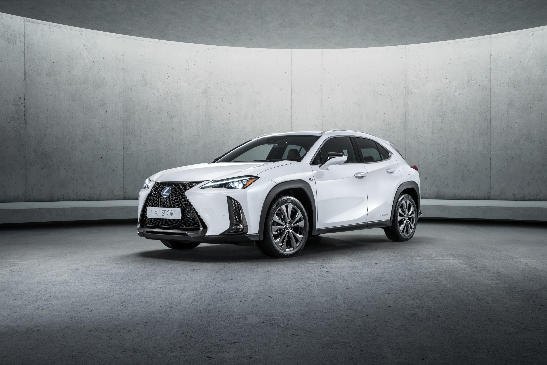 Ein weiteres Crossover-Genre will Lexus selbstbewusst mit seinem neuen SUV-Coupé UX eröffnen, das auf dem Genfer Autosalon Weltpremiere feiert.