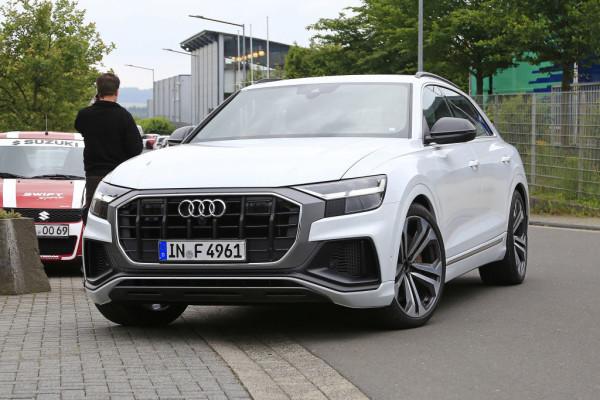 Audi SQ8.