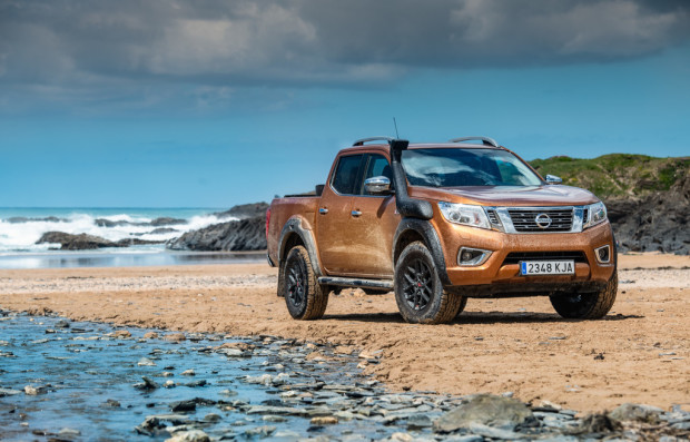 Nissan Navara Off-Roader AT32.