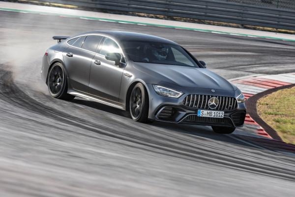 Ein Gran Turismo, der es in sich hat: Das neue Mercedes-AMG GT 4-Türer Coupé ist ab sofort als V8-Biturbo in zwei Leistungsstufen bestellbar.