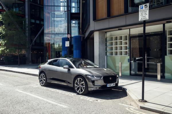 Jaguar I-Pace auf der Fahrt von London nach Brüssel.
