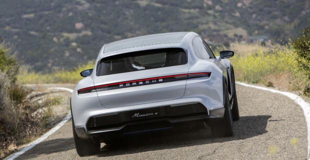 Porsche Mission E Cross Turismo.