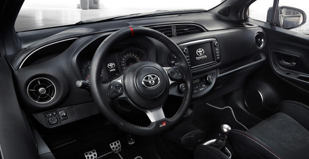 Auch im Innenraum kann der Toyota Yaris GRMN seine sportlichen Gene nicht verbergen.