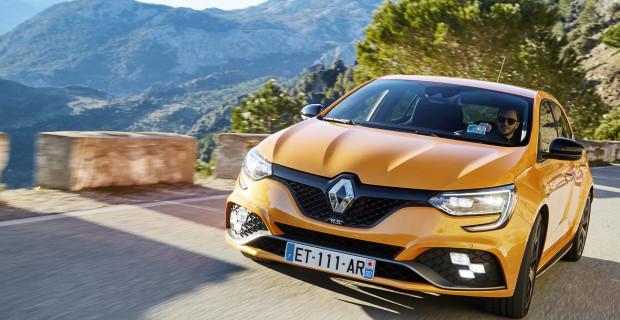 Der agile Renault Mégane R.S. bietet reichlich Muskeln, Top-Fahrleistungen und ein alltagstaugliches Interieur.