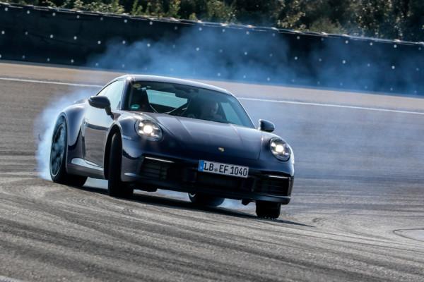 Natürlich muss ein 911er auf der Rennstrecke gut abschneiden - auch die kommende achte Generation.