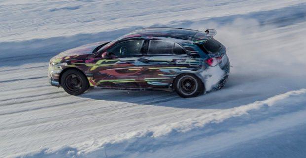 Erprobungsfahrt: Noch leicht getarnter Mercedes-AMG A45.