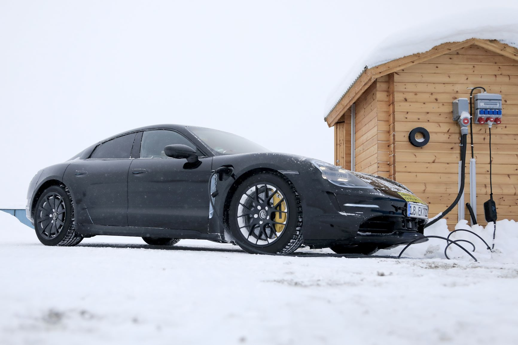 Porsche Taycan.