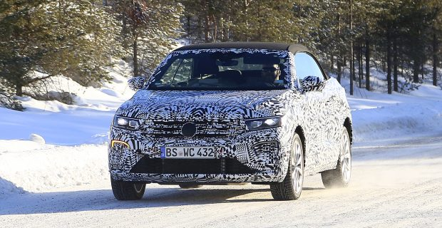 Erlkönig VW T-Roc Cabrio: Sommerauto auf winterlicher Testfahrt