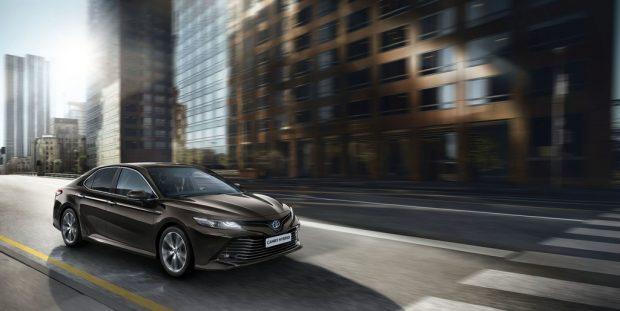 Toyota Camry Hybrid: Dynamisch-komfortabler Leisetreter