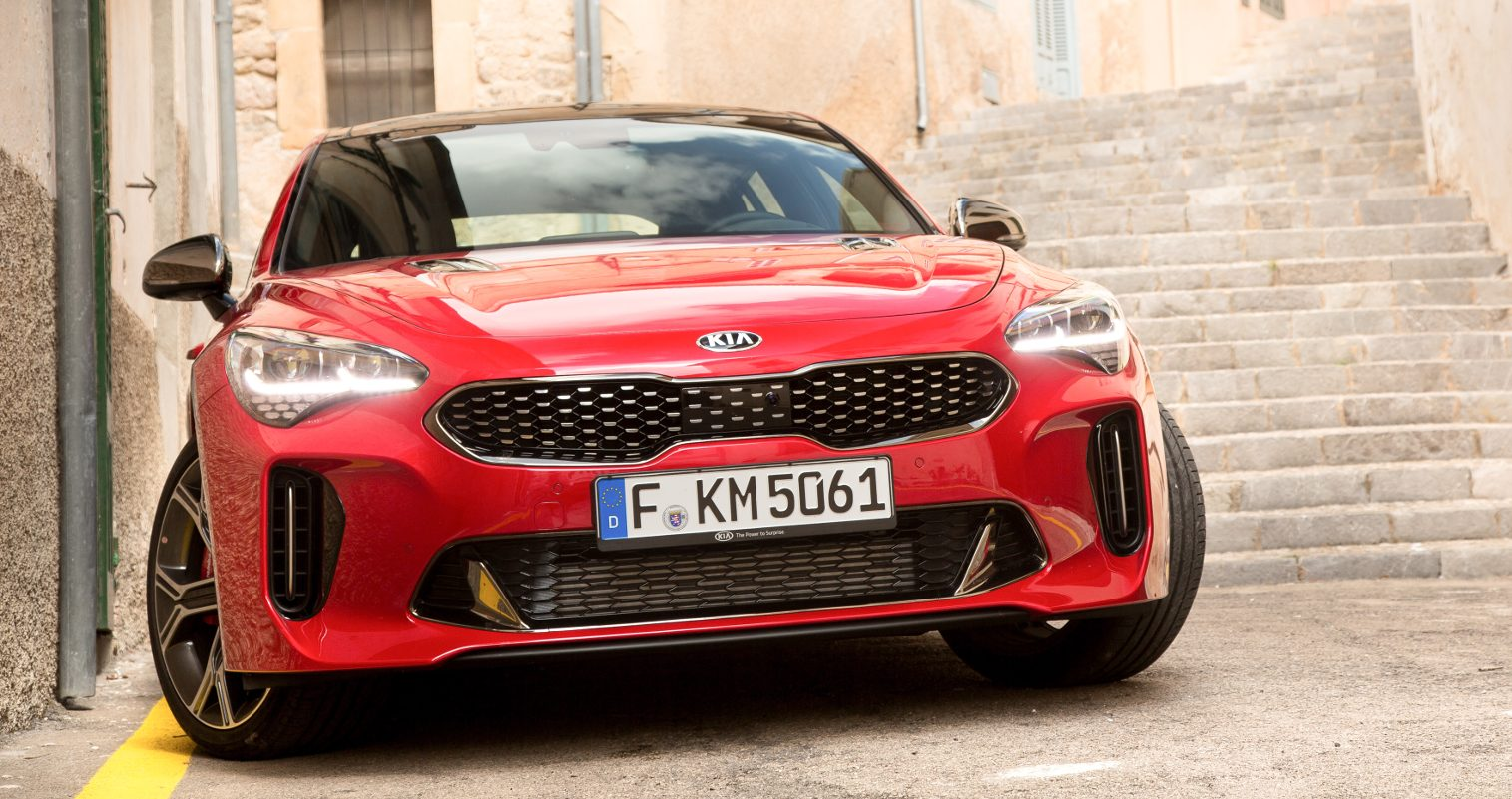 Der fünftürige Mittelklasse-Fastback hat mächtig Dampf unter der langgezogenen Motorhaube.