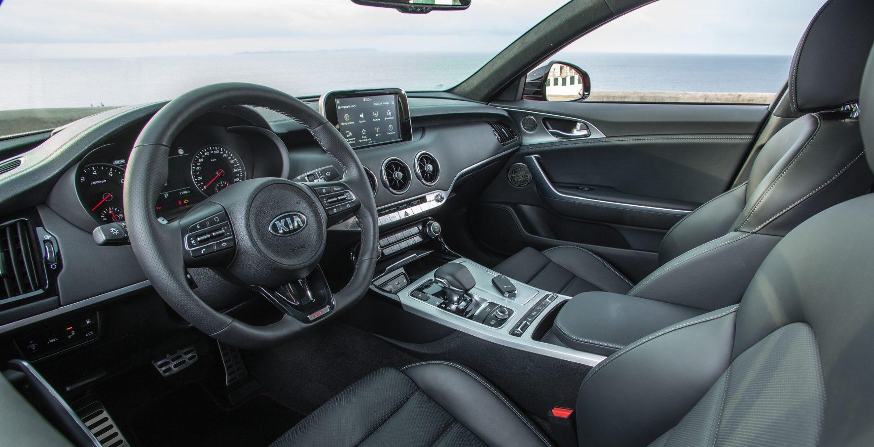 Zu den sportlichen Qualitäten gesellen sich das Platzangebot und der Komfort, den man von einem Auto dieser Größe erwartet.