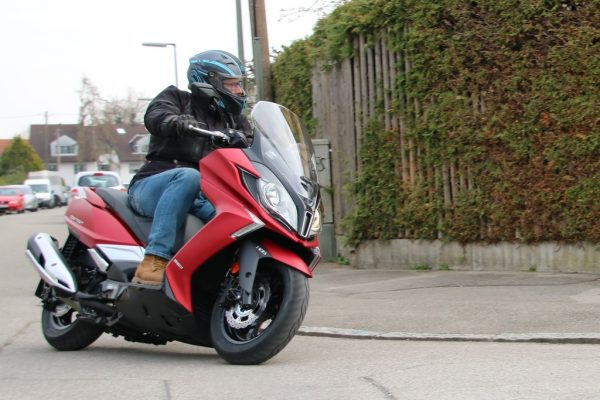 Kymco vernetzt den New Downtown 350i