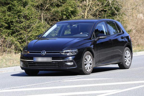 VW Golf Erlkönig nahezu ungetarnt