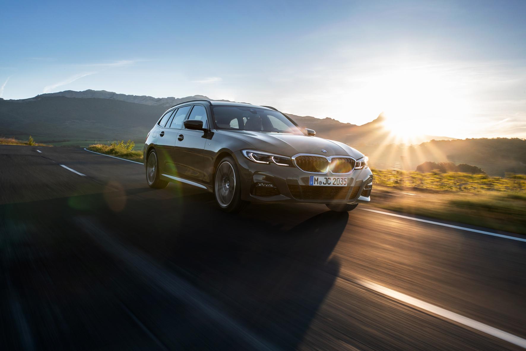 Bei der mittlerweise sechsten Generation des Kombis stehen drei Benziner und drei Diesel zur Auswahl.