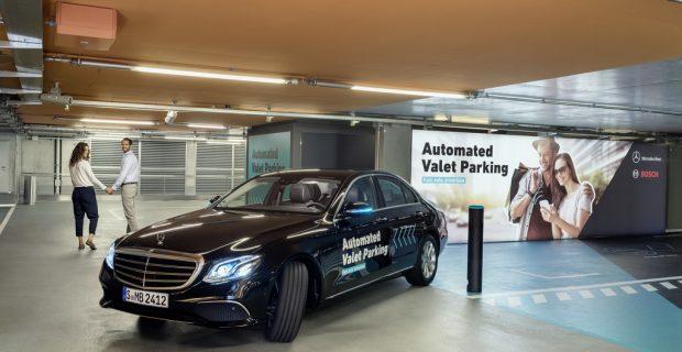Bosch und Daimler dürfen fahrerlos ein- und ausparken