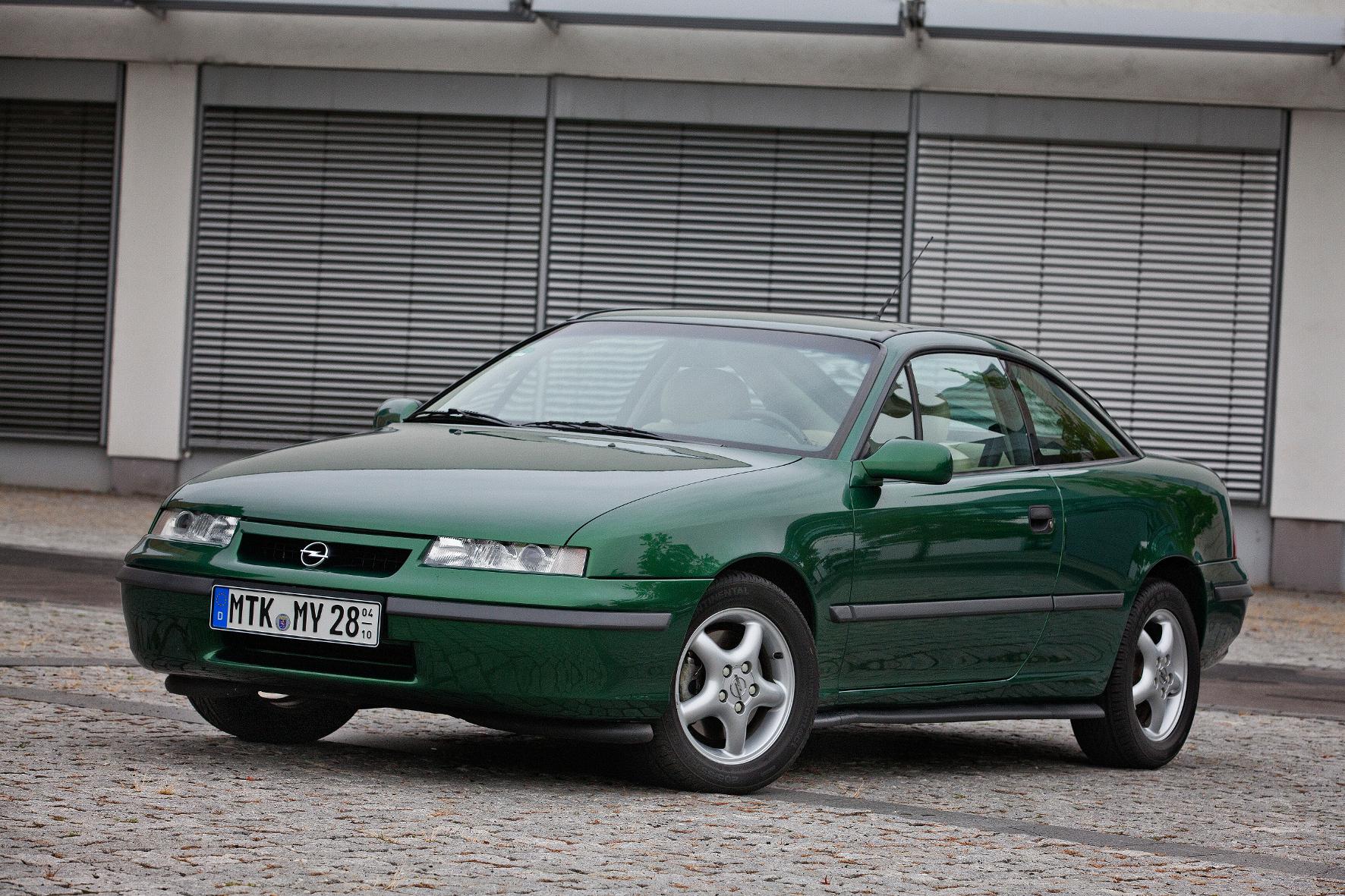 Ex-Champion: Früher war einmal der Calibra Opel-Meister im Windkanal.