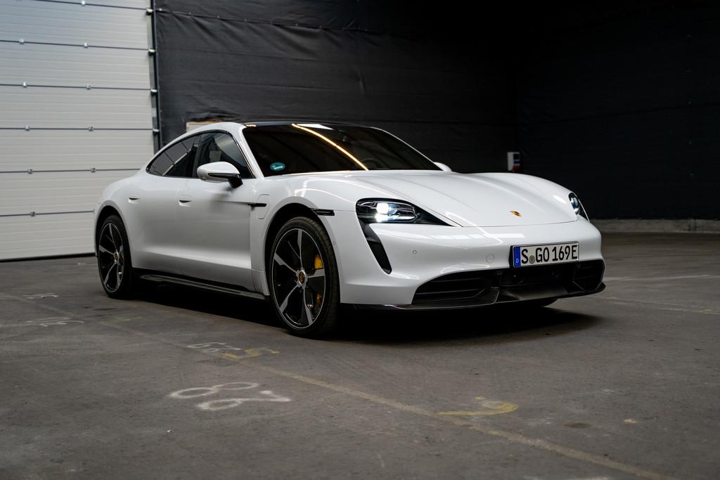 Finalist beim German Car of the Year 2020: Porsche Taycan.