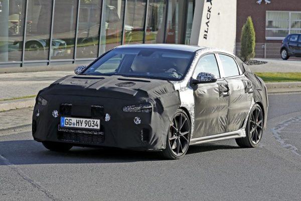 Erlkönig: Hyundai i30N Fastback erhält ein Facelift
