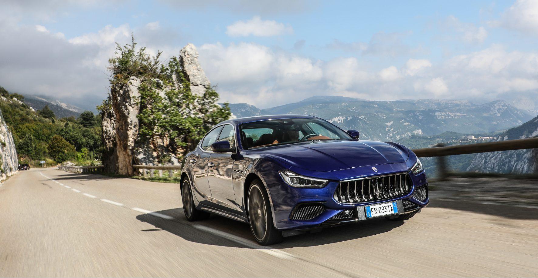 Cruisen von seiner schönsten Seite: Der Maserati Ghibli S Q4 besticht durch seine hohe Laufkultur.