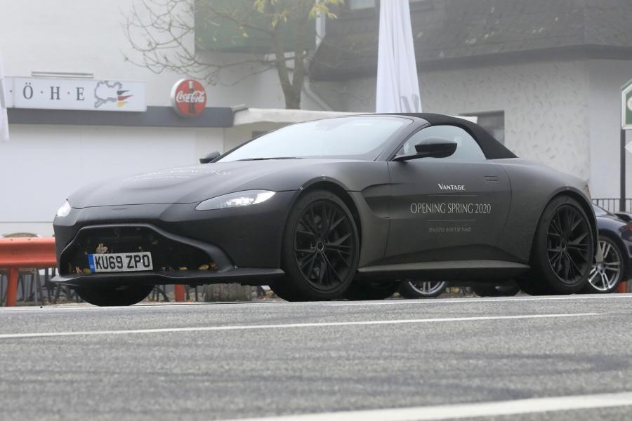 Aston Martin Vantage Volante.