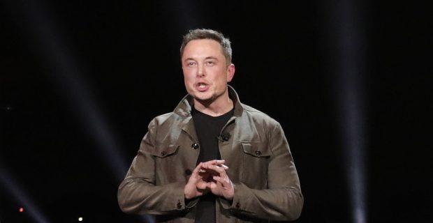 """""""Das Goldene Lenkrad"""" und die Tesla-Gigafactory"""