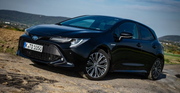 Toyota Corolla 2.0 Hybrid.