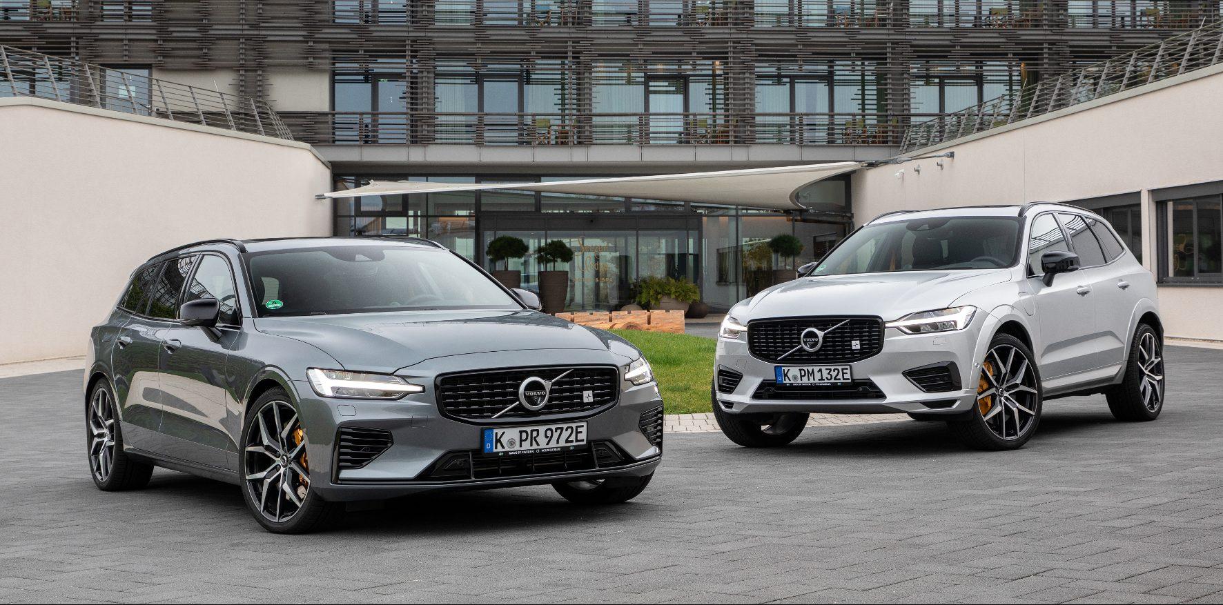 Das potente Duo mit dem Polestar-Emblem im Grill und goldenen Bremssätteln: Volvo V60 und XC60.
