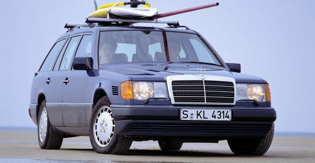 Ein Mercedes-Benz T-Modell der Baureihe 124. Ab 1990 wird der 250 TD für den Export nach Italien produziert.