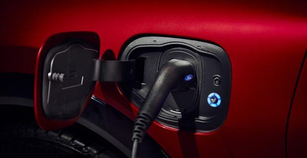 Das heckangetriebene Modell kann mit voller Batterie gemäß WLTP-Zyklus bis zu 600 Kilometer zurücklegen.