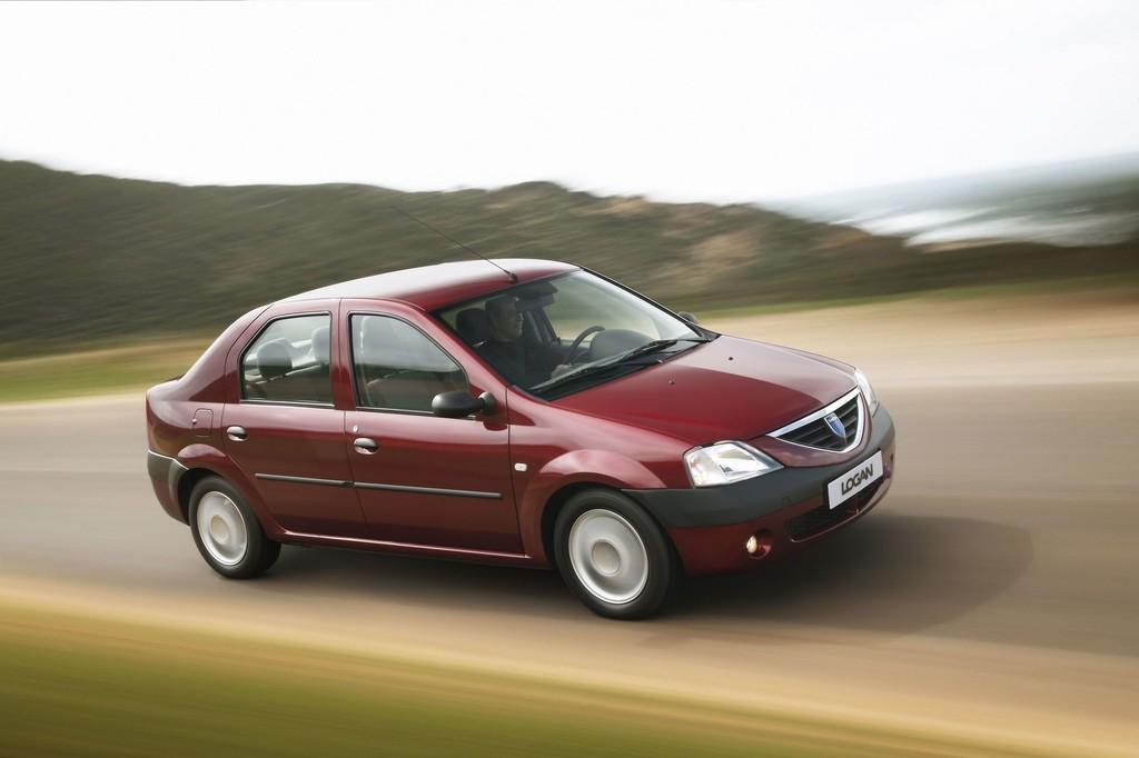 Dacia Logan (2005).