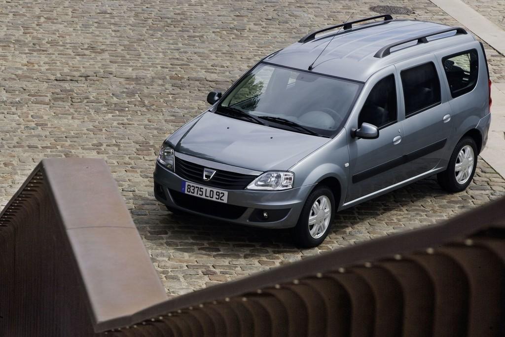 Dacia Logan MCV (2011).
