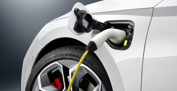 Skoda setzt den Octavia RS unter Strom