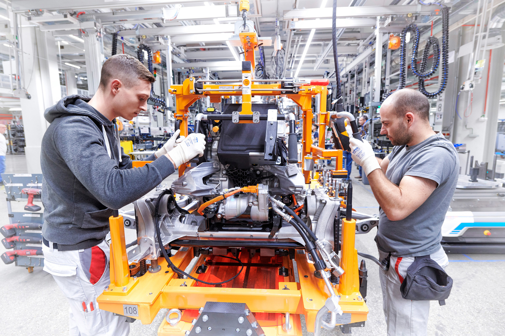 Kampf gegen Corona: Die Autoindustrie macht mobil