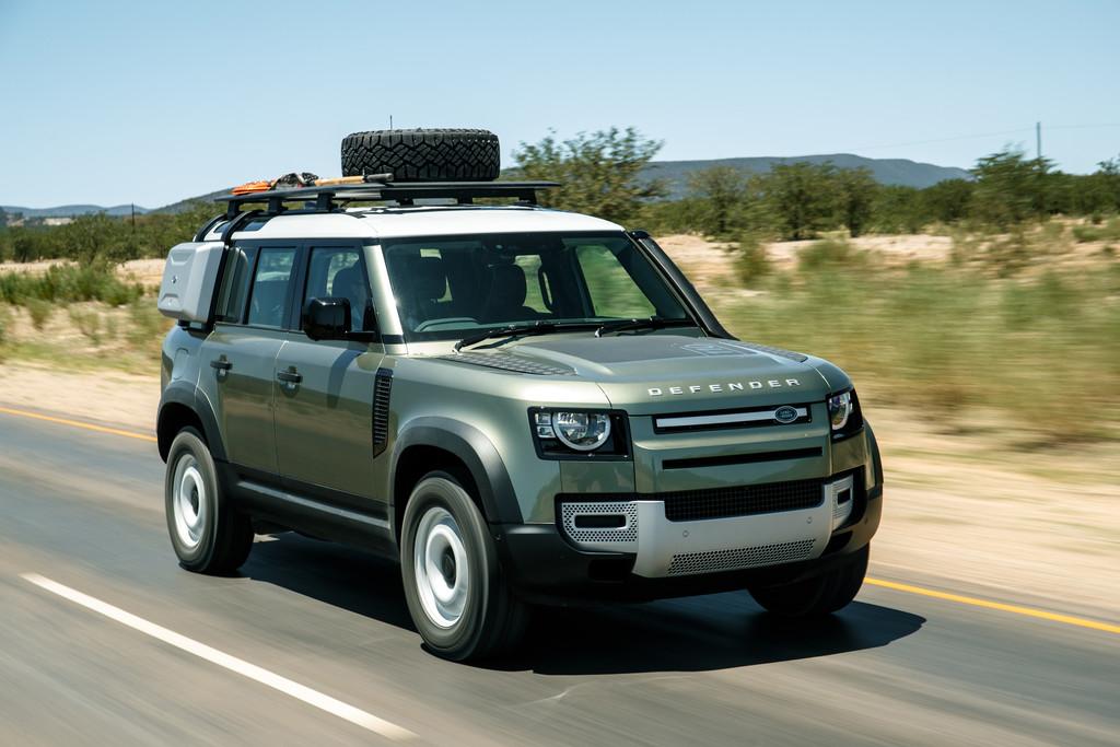 Land Rover Defender 110.
