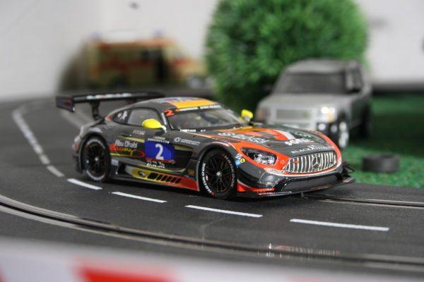 Mercedes-AMG GT3 von Carrera (1:32).