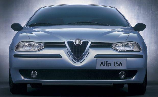 Alfa Romeo 156 (1997).