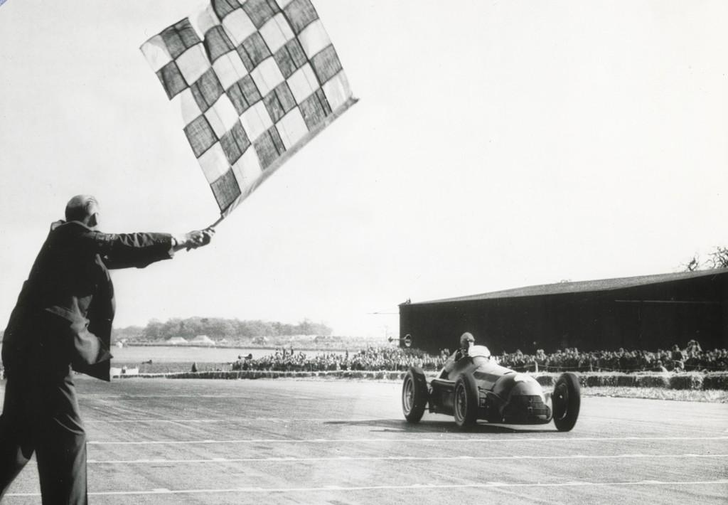 Der 24. Juni ist für Alfa Romeo ein historisches Datum: An jenem Tag vor 110 Jahren wurde die Biscione – wie die Traditionsmarke in Italien in Anlehnung an die Schlange im Logo genannt wird – gegründet.