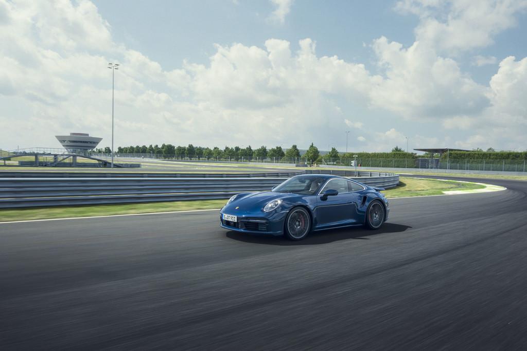 Porsche 911 Turbo.