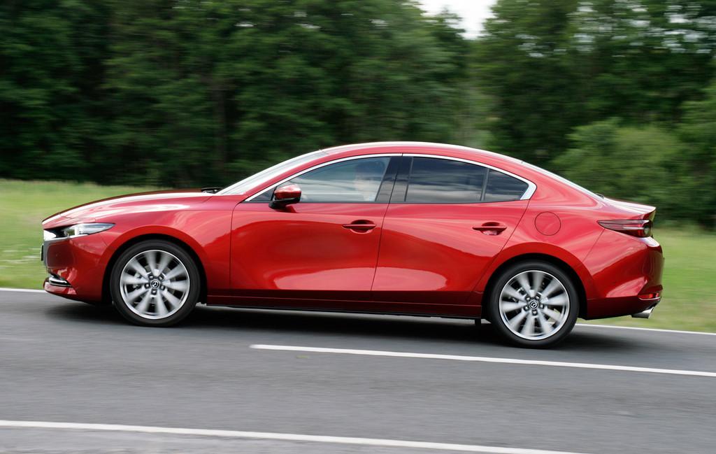 Mazda 3 Fastback.