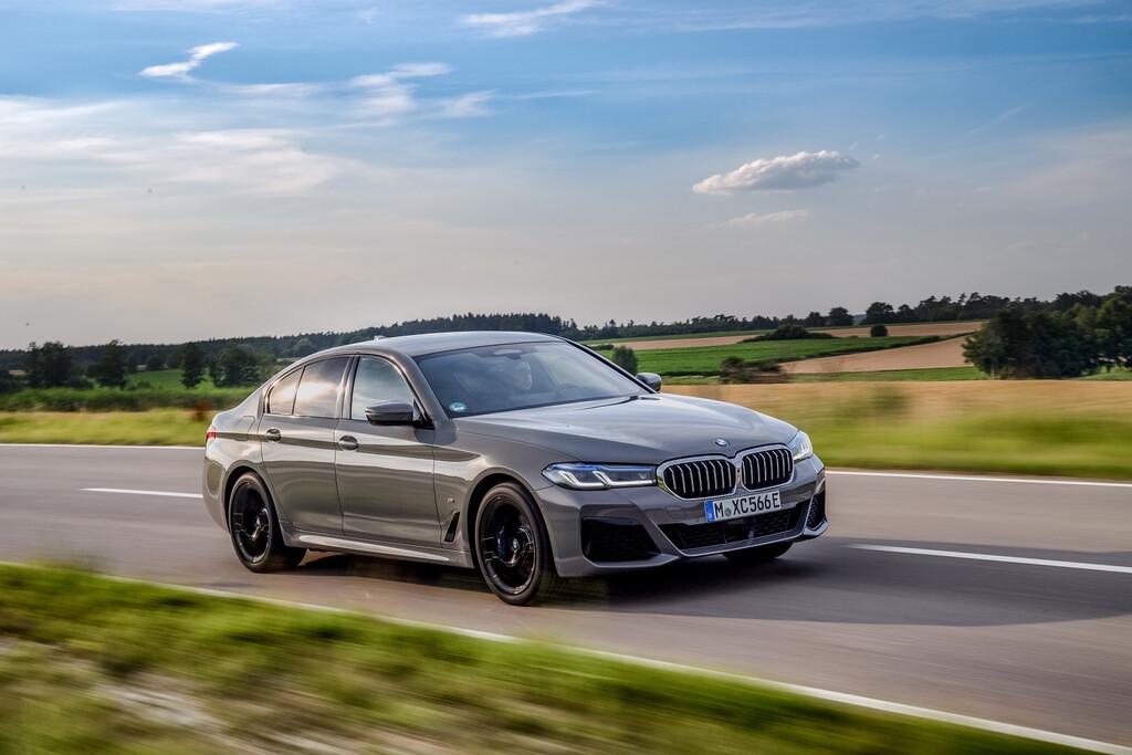 BMW 545e x-Drive.