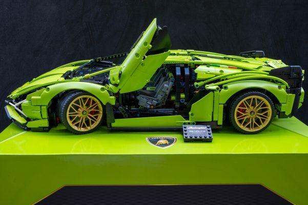 Rekordversuch mit dem Lamborghini Sian FKP 37 aus Lego